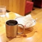 コメダ珈琲店 - 料理写真:ソフトクリームとアイスコーヒー '15 10月中旬