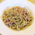 レストランausu - 魚介とバジルのパスタ