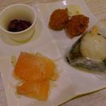 おむすび 結び菜 - おにぎり(海老マヨ)+結び菜セット(の一部)