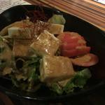 """お籠り個室と彩りなだれ寿司 瑞kitchen - 美人豆腐のサラダ。注文の際に,""""美人""""という単語をつけるのははばかられました。笑"""