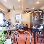 BrasserieTOURS - 店内のテーブル席の風景です