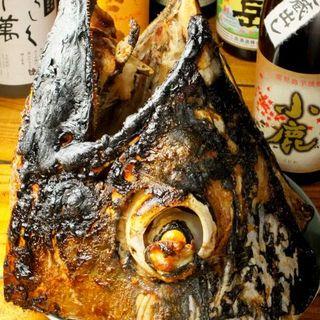 ●名物!マグロのカブト丸焼き(限定)争奪中!