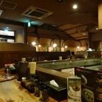 横濱家 - 「横濱家 成瀬店」店内はかなりお洒落になってます。