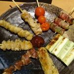 魚民 - 串焼8種盛り合わせ