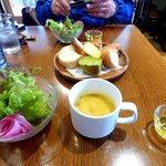 45159545 - ランチセットのサラダとスープ