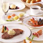 フォンタナ - 料理写真:お誕生日や結婚記念日などの為の特別コース。