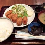 手だれ屋敷 九段下 - 日替わりランチ カキフライ820円
