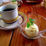 Electric Beans Cafe 豆電球 - ドリンク&さつまいものアイス