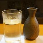 鮨 和 - 兵庫県播州平野の北西に位置する安富町、良質な山田錦と、水と空気が産んだ、下村酒造の「奥播磨 山廃純米」辛口の旨い酒です、常温コップ酒でいただきます