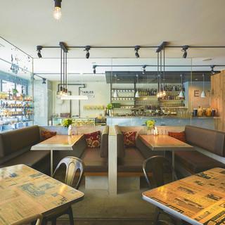 タブレス コーヒーベーカリー&ダイナー - 内観写真:お子様連れに人気のボックスシート