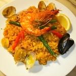 スペイン料理&BAR アモール・デ・ガウディ - 魚介のパエリア❤ヾ(´∀`ヾ)