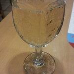 ガスト - グラスワイン(白)。これで99円(税抜)とは。。。