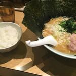 45181569 - ラーメンとライス(小)100円