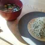 紬山荘 - コースに500円をプラス鴨葱そばにしました。