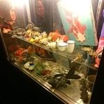 金魚CAFE - 店頭にある、謎の金魚ディスプレー