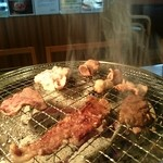 味覚園 - 炭火で焼き上げます