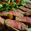 おこん - 料理写真:季節の炊き込みご飯にこのお肉! 絶品です!