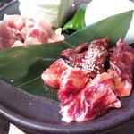 45207155 - 牛ハラミ、中落ちカルビ、豚バラカルビ、若鶏、ミニサラダ、ご飯、スープまたは味噌汁