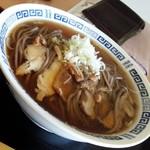臥龍亭 - 肉そば(冷)・ランパス使用540円/27年12月