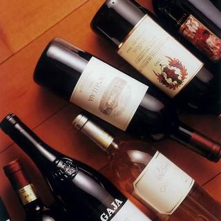 現地ワイナリーから届くイタリアンワインも充実