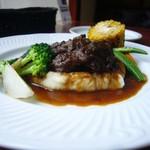 ブション・プロヴァンサル Chez AZUMA - 牛すじ肉の赤ワイン煮込み(裏側)