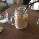 ハングアウトコーヒー - アイスカフェ・ラテ