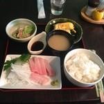 喫茶みるくはうす - 料理写真:日替りランチ お刺身定食