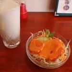 プルニマ - サラダとラッシー