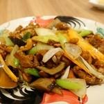 ウィパダー - 鶏肉とカシューナッツの炒め