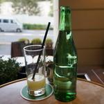 オー バカナル - フレッシュジュース(搾りたて)レモン 950円