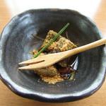 和食六甲 - 沖縄産黒糖蜂蜜わらび餅