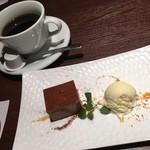 銀座イタリアン ORIGO - デザートはチョコレートプリンとアイス★