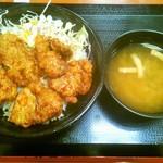 東京チカラめし 新宿東口総本店 - 揚げ豚丼