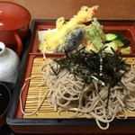 味処花しょく - 料理写真:天ざるそば(864円)
