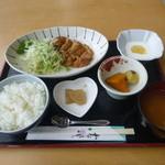 ふれあいレストラン雲の信号 - 日替り:タンドリーチキン定食 640円