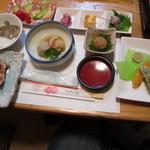 藤すし - 料理写真:先付けされてたものたち。