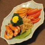 中国料理 盤古殿 - 三種冷菜の盛り合わせ(760円+税)2015年12月