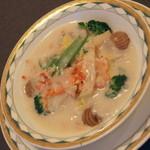 中国料理 盤古殿 - タラバ蟹肉と野菜のクリーム煮(1,180円+税)2015年12月