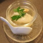 中国料理 盤古殿 - フカヒレスープ餃子(630円+税)2015年12月