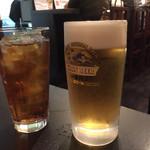 味噌おでん くろさわ - 生ビール480円とウーロン茶210円