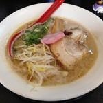 45232900 - H.27.12.6.昼 豚骨醤油らー麺 720円