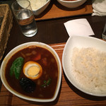 スープカレー屋 鴻 - 黒スープ野菜カレー800円