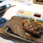 45235911 - 鹿児島産黒牛サーロインステーキ