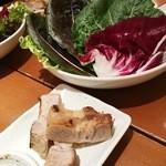 韓国料理 水刺齋 - ボッサムと葉もの
