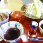 サガミ - つけ麺のほかに、ミニカツ丼も注文しています。