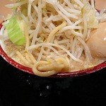 麺屋心 - 特製フジヤマの麺アップですw