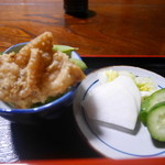 鷹番 宮川 - 鶏唐揚げ、枝豆、お新香