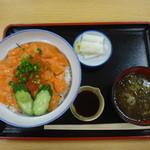 小矢部川サービスエリア 下り線 レストラン - ますいくら丼