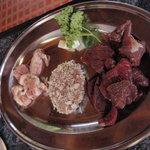 ダチョウレストラン 太らん - 焼き肉セット1人前分(\1,300)のお肉です~