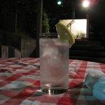ソンブラ - 料理写真:テラスでジントニック気持ちいい
